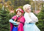 Elsa and Anna in the trees