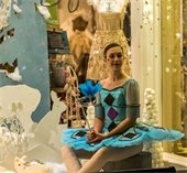 Ballerina in shop window during Elegant Evening