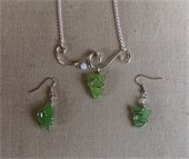 wire wave jewelry with green stones